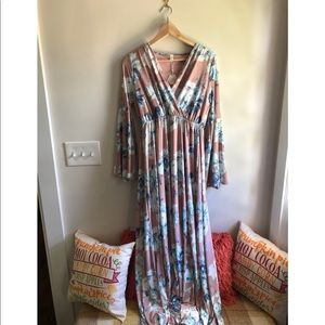 Bell sleeve maxi dress NWT
